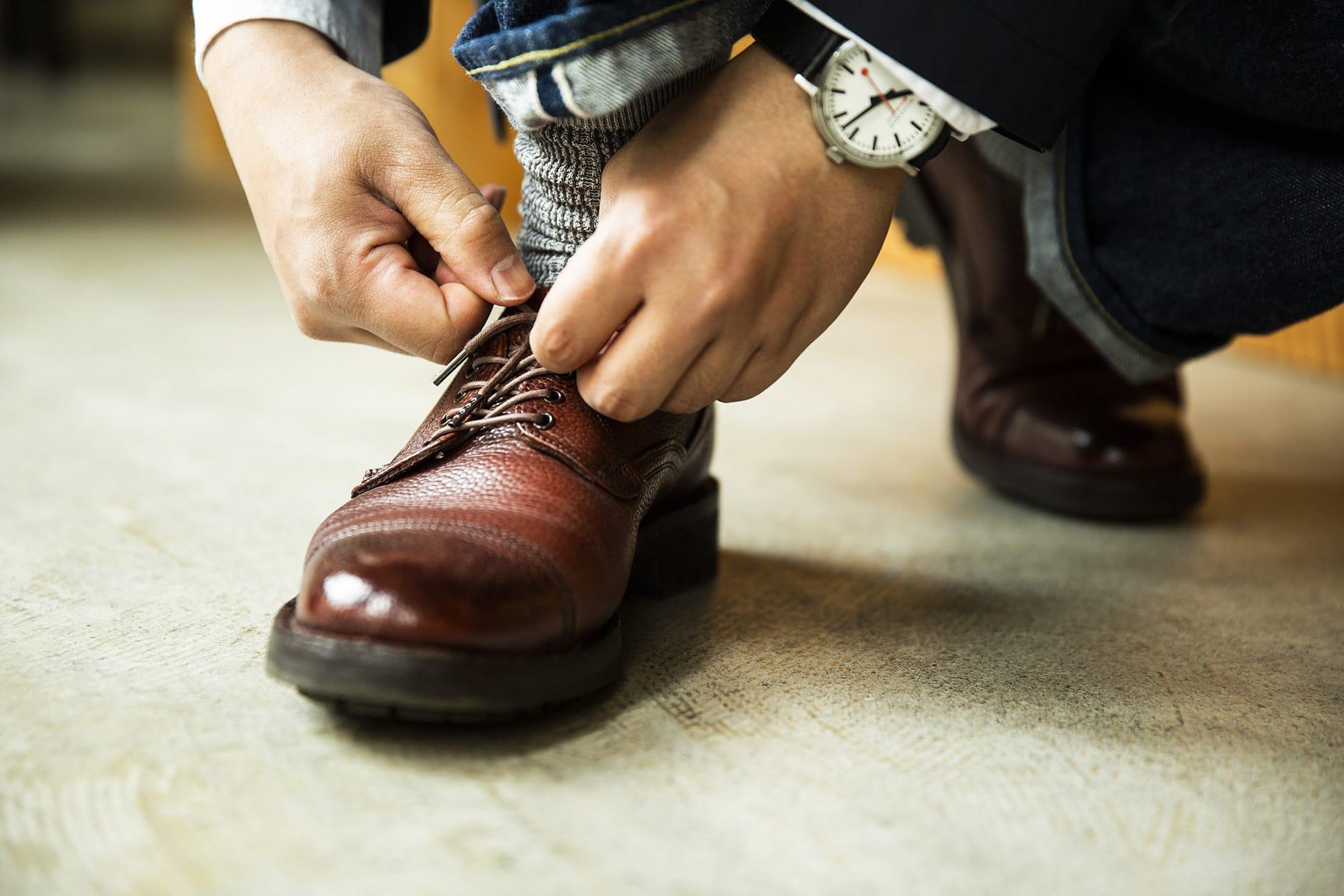 ジョセフ チーニー 靴磨き芸人 奥野 奏さん ケンゴン Ⅱ R バーガンディ着用